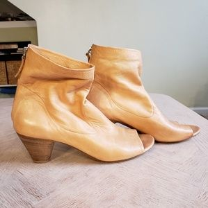 eb59e9d7fb57 Tan Marsell Open Toed Wooden Heel Booties EU sz 38